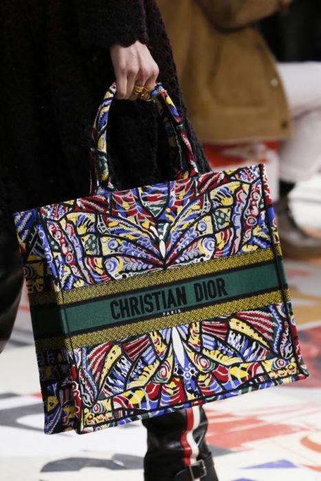 """Популярные сумки Dior. Модель """"Tote"""""""