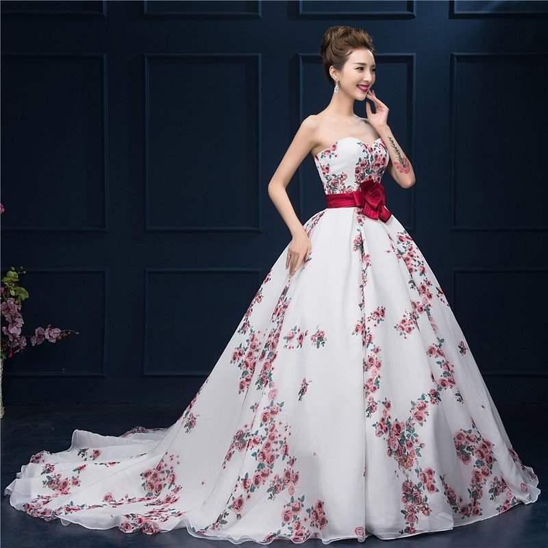 Вечернее платье с цветочными принтами