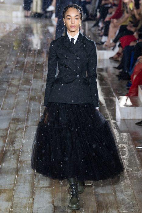 Модные новинки лета 2019. Пиджак и летящая юбка от Christian Dior